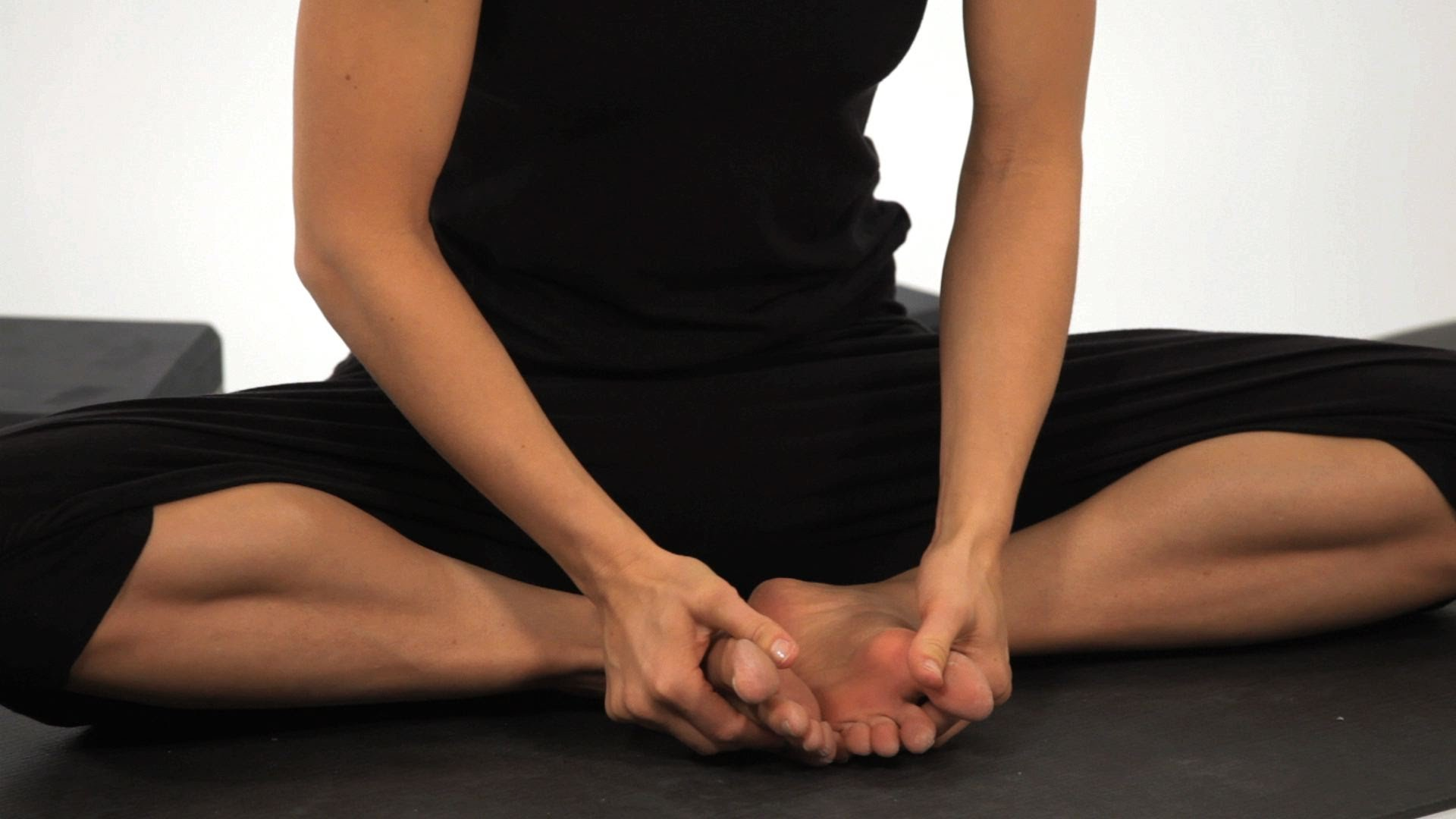 Stretch The Knees   Best Yoga Poses for Knee Injury